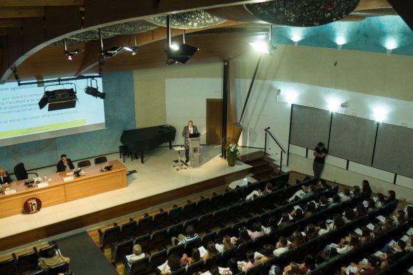 Nueva iluminación salón de actos de Medicina UAM